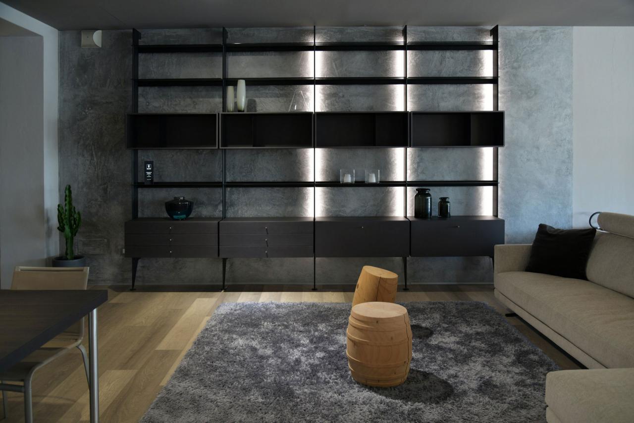 04-06-2020_03-06-2020_photo-of-brown-sofa-on-wooden-flooring-3869680.jpg